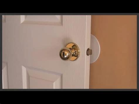 remove  replace door knobs youtube