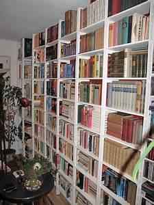 Bücherregal 15 Cm Tief : gro e b cher regalwand mit verstellb b den 24 cm tief ~ Bigdaddyawards.com Haus und Dekorationen