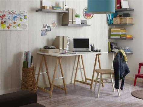 planche de bois pour bureau 39 idées déco de tréteaux pour créer une table ou un bureau