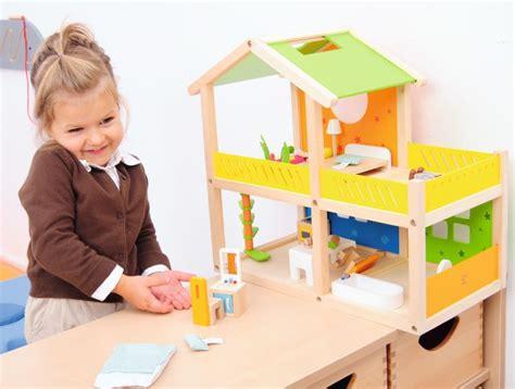 Hiša za igro - Urbana igrala - otroška zunanja igrala ...
