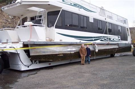 Small Pontoon Boats For Sale In Virginia by The 25 Best Small Houseboats Ideas On Used