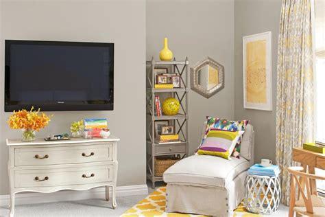hgtv master bedroom makeovers contemporary master bedroom makeover hgtv 15548 | 1400953041833