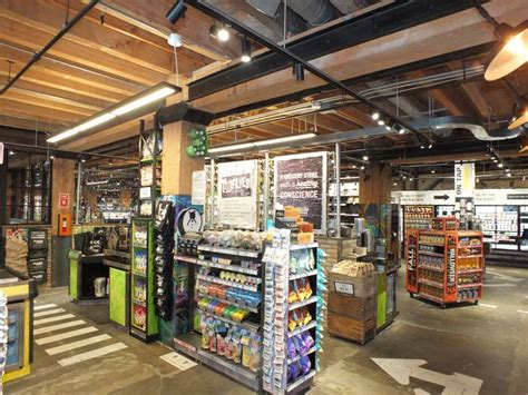 Organic Garage Opens 4th Store In Toronto's Liberty