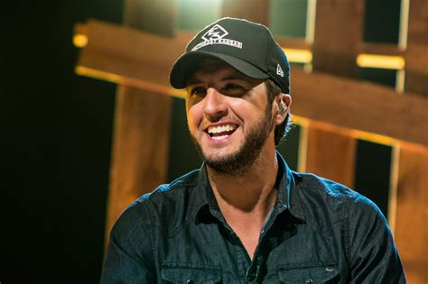 Luke Bryan Laughs Off Country Music Stereotypes, Talks