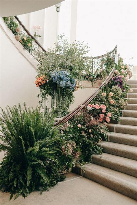 wedding flowers  stairs deer pearl flowers