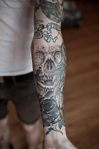 Tatouage Bras Complet Homme : tatouage bras tete de mort et rose id es de tatouages et ~ Dallasstarsshop.com Idées de Décoration