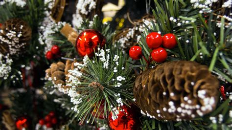 christmas tree decorations  image  libreshot