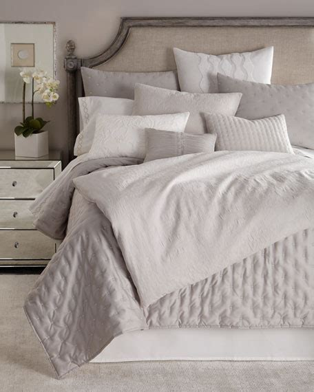Vera Wang Textured Floral Bedding