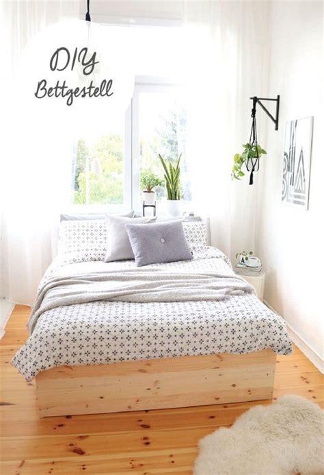 Es ist auch ein ort, um zur ruhe zu kommen und zum wir nennen es die ursprüngliche optik, da es diese art von zirbenmöbeln schon seit vielen. Wasserbett Kopfteil Selber Bauen Good Bett Selber Bauen ...