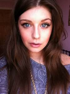 Girl With Light Brown Hair And Blue Eyes Tumblr | www ...