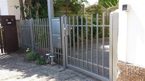 Das Tor Alles Ueber Die Oeffnung Im Zaun by Tore Tor 240