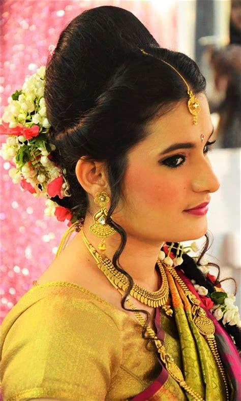 hairstyles  lehenga  adorn  wedding season