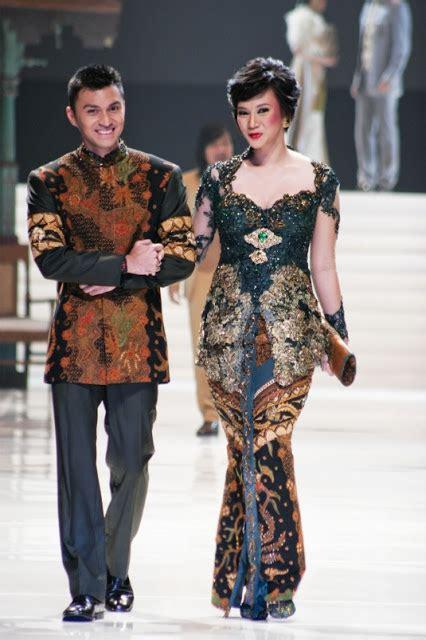 anne avantie kebaya wedding dress bride  groom indonesia
