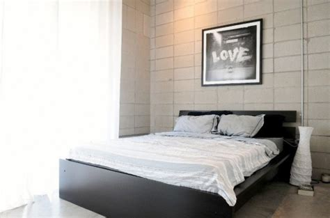 black and white bed linen loved those white studio apartments