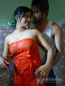 Trisha Bathroom by South Indian Girls In Towel Bathing Dress Very Rare Pictures