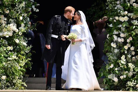 meghan markles wedding dress cost