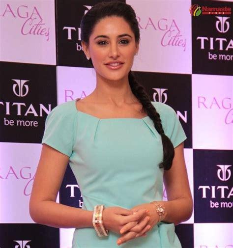 indian hot actress nargis fakhri latest stills
