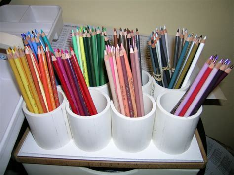 colored pencil organizer organizing a large set of colored pencils howard