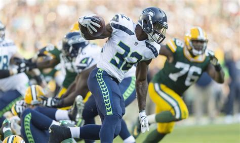 packers  seahawks previewing tnf clash  seahawks wire