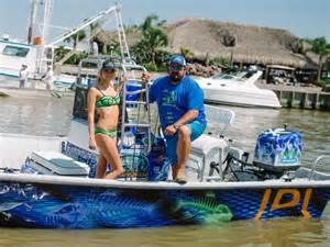 Boat Wraps Designs