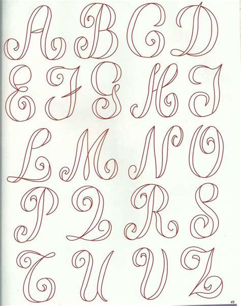 lettere dell alfabeto da ricamare lettere classiche 1 cifre e lettere da ricamare