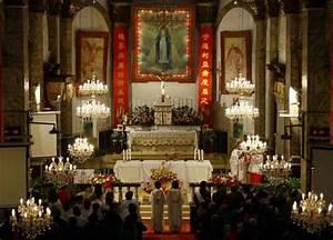 Vatican excommunicates pro-govt Chinese Catholic bishop ...