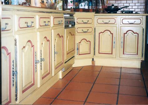 peinture pour meuble de cuisine en chene relooking meubles de cuisine et plan de travail luc
