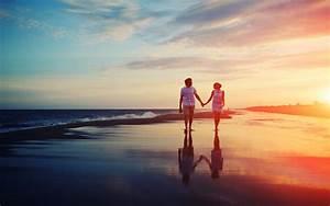 Loving Couple On Beach Love Wallpaper Hd 1080p Download