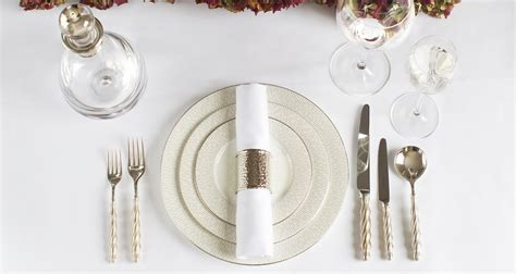 garden table and chairs how to set lay a table dining table setting ideas