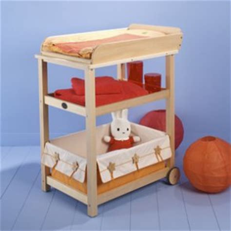 table a langer moulin roty croque la lune table 224 langer moulin roty famili fr