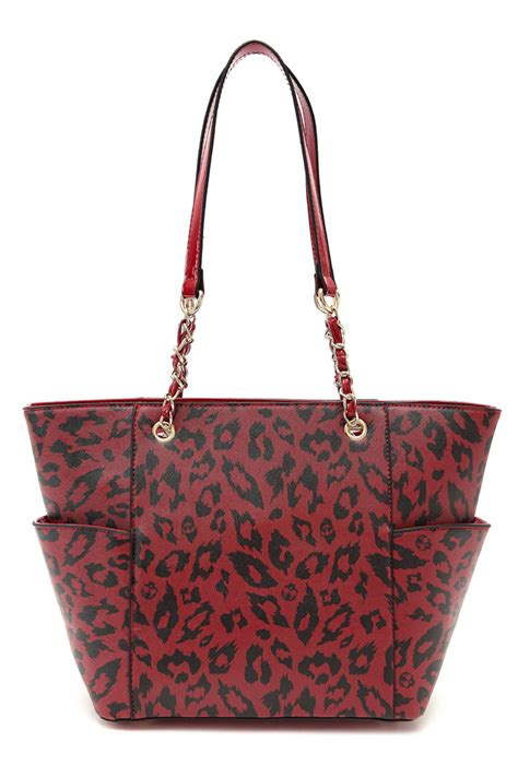 double side pockets  leopard print accented chain