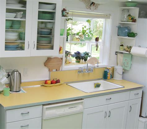 country kitchen decorating ideas on a budget maile remodels a 1970s kitchen into a 1940s