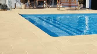 dallage piscine en naturelle en 25 propositions