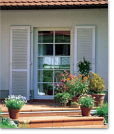 Fensterlaeden Praktische Zierde Fuers Haus by Hbi Fenster Und T 252 Ren