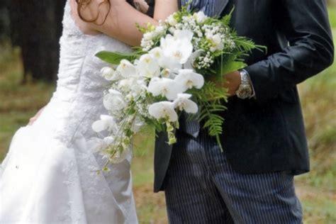 bouquet sposa fiori d arancio fioreria la mimosa rami di orchidea e fiori d arancio