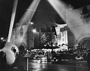 Chinese_Theater_ca1940 - Spotlights   Old Hollywood ...