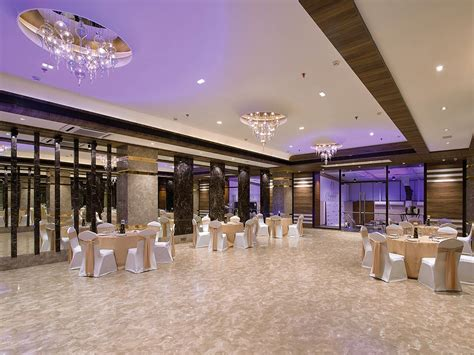 Banquet Halls In Mumbai Hosts Preity Zinta's Wedding Reception