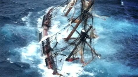 Hms Bounty Sinking Depth by Hurricane Dies After Ship Hms Bounty