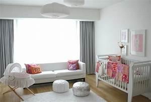 la chambre bebe mixte en 43 photos d39interieur With déco chambre bébé pas cher avec fleurs pour naissance fille