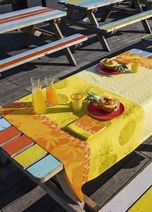 Nappe Jacquard Français : nappe enduite le jacquard francais miami beach ananas ~ Teatrodelosmanantiales.com Idées de Décoration