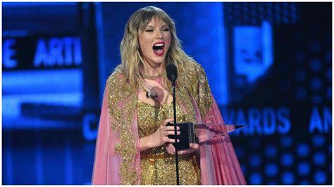 Taylor Swift creates history at 2020 American Music Awards ...