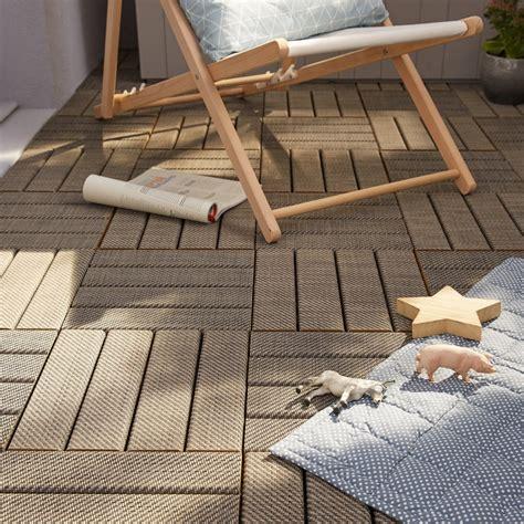 des dalles clipsables bois pour votre terrasse leroy merlin