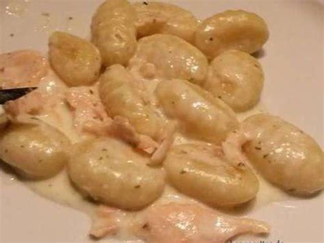 cuisiner des gnocchis recettes de gnocchi et saumon fumé