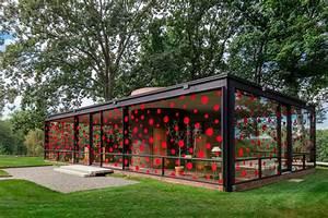 Glass House 2 : dots obsession installation by yayoi kusama at philip johnson 39 s glass house streetartnews ~ Orissabook.com Haus und Dekorationen