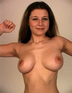 naked-chick-bouncing-boobs-animated