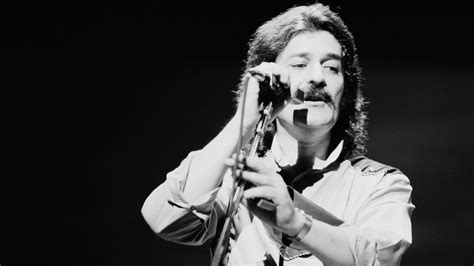 Ray Thomas Of Moody Blues Dies Months Shy Of Group's Rock