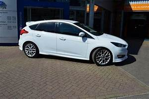 Ford Focus Ecoboost 125 Avis : 2015 ford focus 1 0 ecoboost 125 zetec s 5 door petrol hatchback in high wycombe ~ Melissatoandfro.com Idées de Décoration