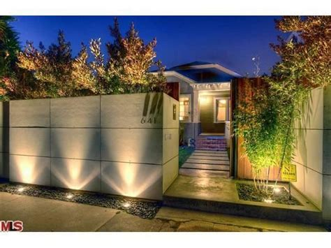 love the perimeter fence lighting front wall dise 241 os