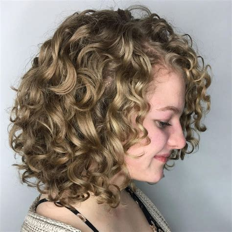 65 Different Versions of Curly Bob Hairstyle Wavy bob