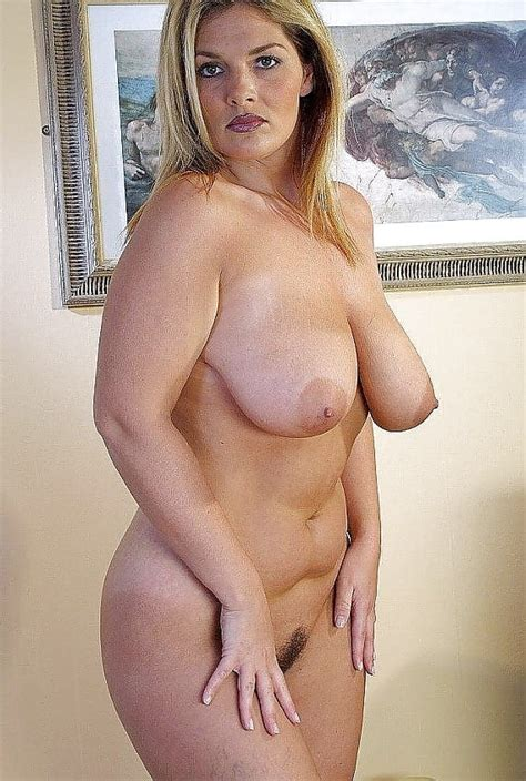 Mom Is Always Naked At Home 20 Pics
